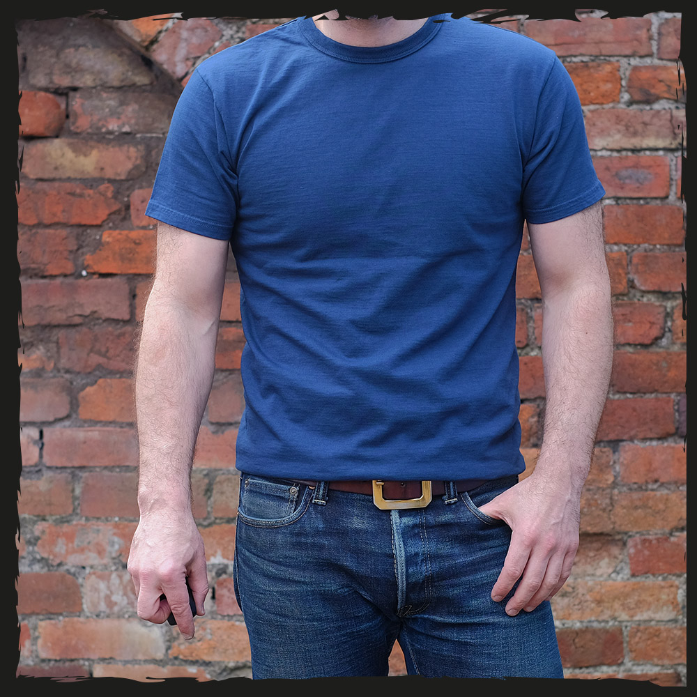 The Strike Gold Plain T-Shirt – Navy